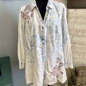 Ombré Chambray Embroidered Blouse